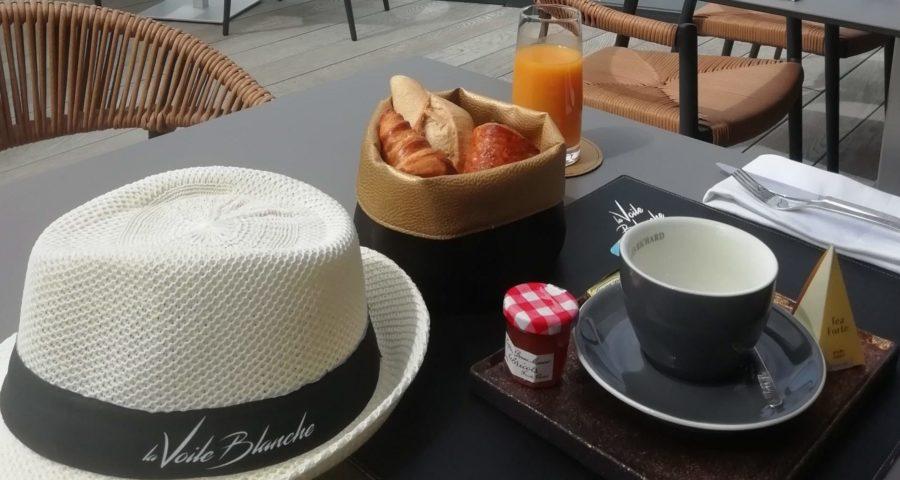 petit dejeuner la voile blanche